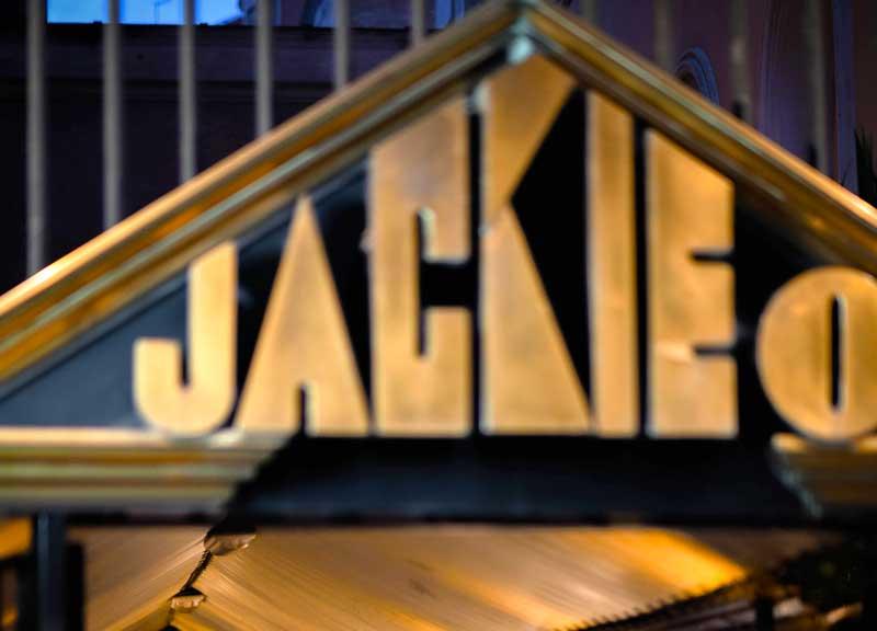 Jackie O', tuffo nel passato, il menu macchina del tempo ispirato agli Anni 80