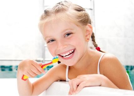 Cuore più sano se i denti sono puliti