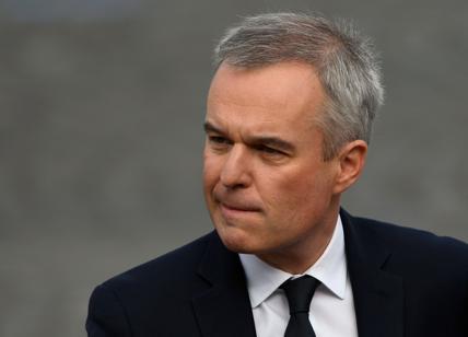 Spese pazze in Francia, si dimette il ministro Francois de Rugy