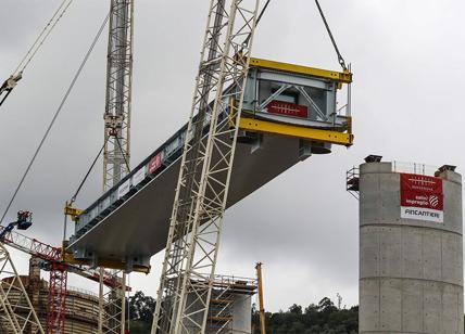 """Ponte Morandi, dal Tar chance ad Autostrade: """"Esclusione? Decida la Consulta"""""""