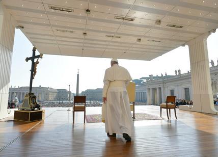 """""""Papa Francesco si dimetterà entro il 31 dicembre 2020"""", clamorosa indiscrez.."""