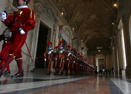Vaticano,compravano palazzi con i soldi per i poveri: scandalo da 650 mln di €