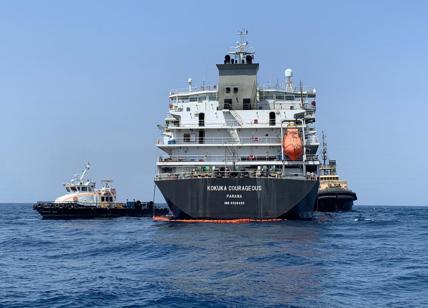 Navi iraniane bloccano una petroliera britannica, strappo diplomatico
