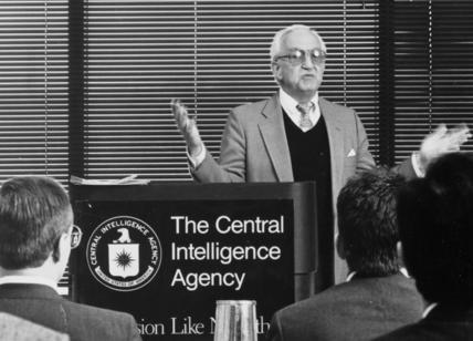 Iran smantella rete di spie CIA: 17 arresti e
