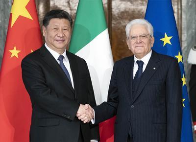 Crisi in Libia e dazi, il doppio appello di Mattarella a Pence