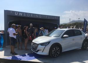 Peugeot e il Jova Beach party a Linate per la fine dell'estate
