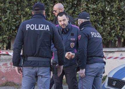 Divise forze dell'ordine: prodotte in Romania e pagate il doppio dallo Stato
