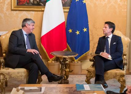Tria sotto assedio, l'Eurogruppo gela l'Italia: