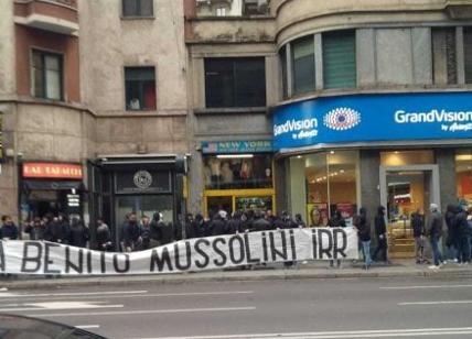 Ultras della Lazio a Piazzale Loreto: