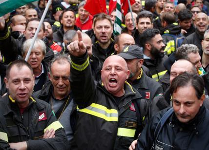 """""""Legge di Bilancio sporca di sangue"""": i Vigili del fuoco contro il Governo"""