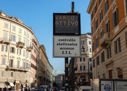 Roma, M5S si spacca: no alla Ztl fino alle 19. Guerra interna tra consiglieri