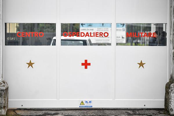 Coronavirus a Milano: parchi chiusi. Ospedale di Baggio: infermiere contagiato
