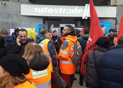 "Autostrade, la bomba. 700 posti a rischio: ""Vittime guerra Governo-Benetton"""