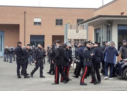 Coronavirus, rivolta nel carcere di Rieti: tre detenuti morti per overdose