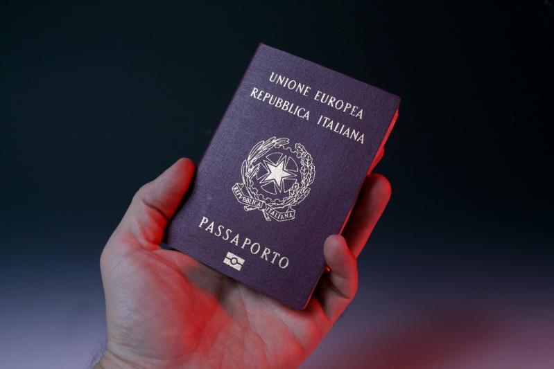 Rinnovo del passaporto tra genitori separati o in pessimi rapporti: come fare? - Affaritaliani.it