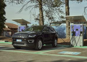 Jeep® Renegade 4xe e Jeep Compass 4xe sono ordinabili da domani in Italia