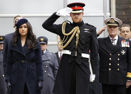 Royal Family, Harry e Meghan Markle addio social. E un indizio sul futuro...