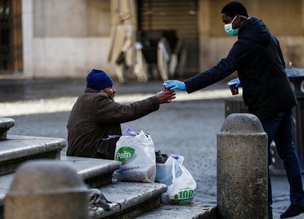 Coronavirus: la Raggi non c'è, a Roma le reti di solidarietà fanno da sole
