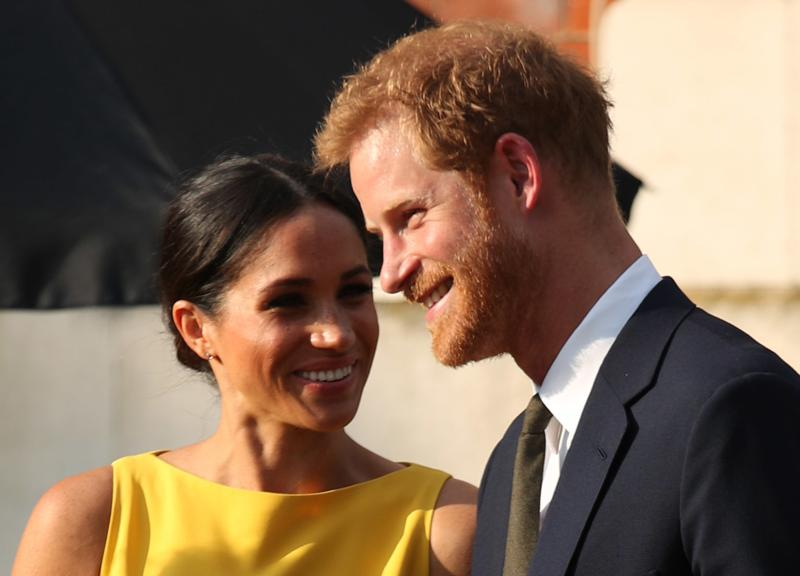 Harry Meghan, quel pasticciaccio brutto a Buckingham Palace. ROYAL FAMILY NEWS