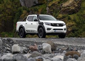 Nissan svela il nuovo Navara OFF-ROADER AT32