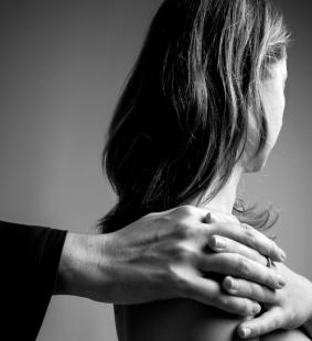 """Tumore al seno: oggi la mostra """"Dammi la mano"""" di Europa Donna Italia"""