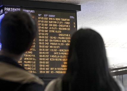 Ferrovie, Termini ko: lunedì infernale per i pendolari: ritardi di oltre 1 ora