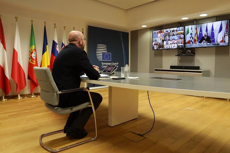 Il presidente del parlamento europeo Charlese Michel in collegamento con i leader del G20 durante il summit online di marzo