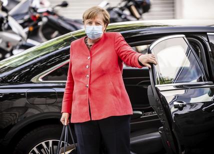 Germania, nuovo record: 7.830 casi Covid in 24 ore. Merkel: