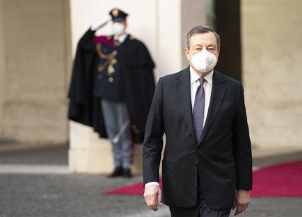 Governo, Draghi cambia strategia comunicativa. Vuole un social media manager