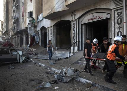 Israel bombs the palace of the international press and television