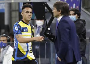 Conte e Lautaro: pace sul ring E Lukaku fa lo speaker. Video