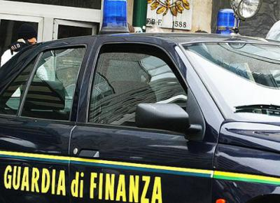 304100_guardia-di-finanza1.jpg (400×290)