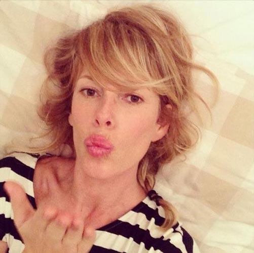 Alessia marcuzzi a letto nuda online la foto che fa - Impazzire a letto ...