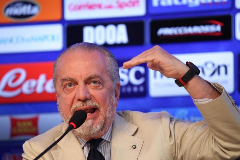 Napoli, De Laurentiis-tifosi: prezzi ribassati. Napoli-Roma, ecco i nuovi prezzi dei biglietti