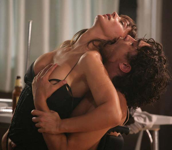 scene hard in tv massaggio sensuale milano