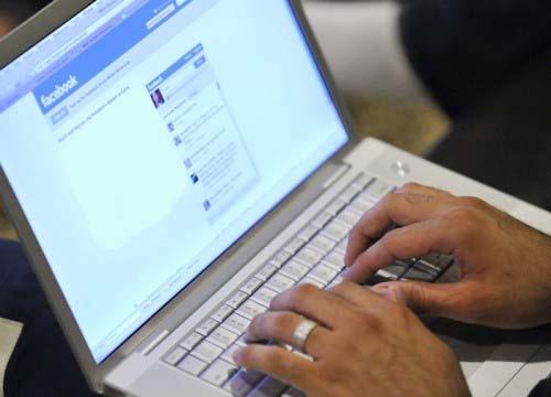 I social network rendono paranoici e fanno crollare la for Draw online share
