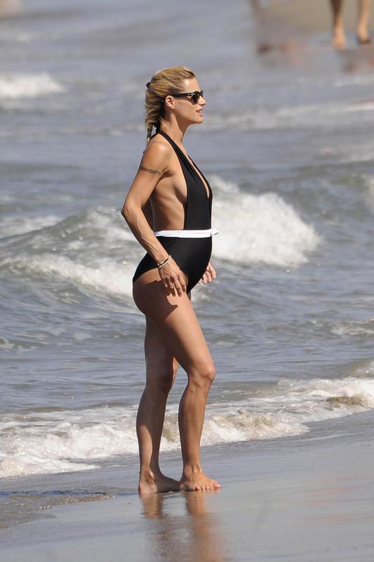 Mila Kunis incinta, Demi Moore disperata - Tgcom24