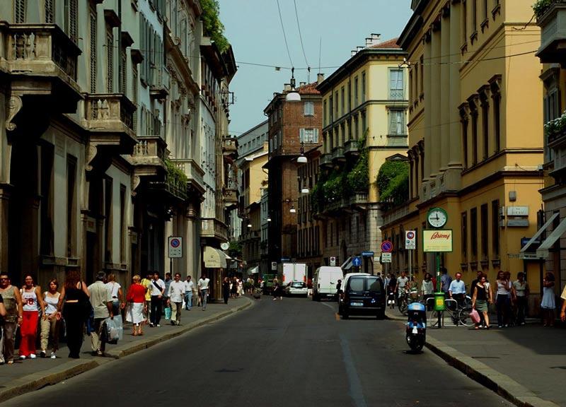 Un altro storico marchio d'abbigliamento arriva in via Montenapoleone
