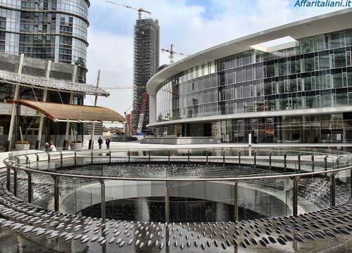 Piazza Gae Aulenti si arricchisce di un altro store internazionale: arriva New Balance