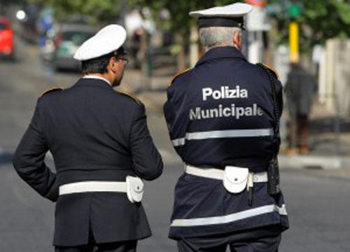 Assenteismo, zero sconti: a processo 34 vigili urbani di Ercolano