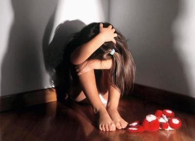 Incinta a 11 anni dopo violenze vicino