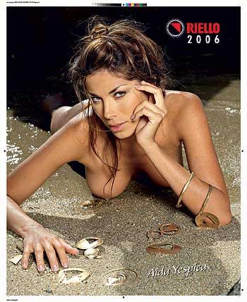 Calendario Aida Yespica.Aida Yespica Senza Veli Per Playboy Affaritaliani It