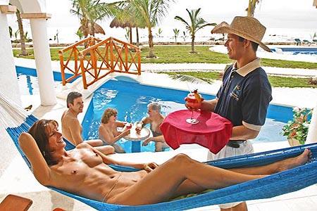 Нудиские пляжи Бразилии ежегодно встречают тысячи туристов